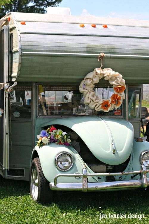 VW camper wreath