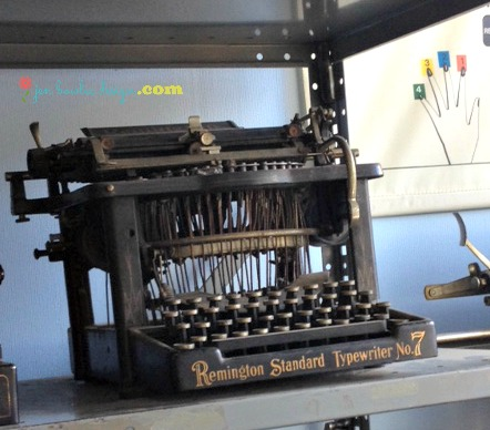Vintage Remington Standard Typewriter No. 7