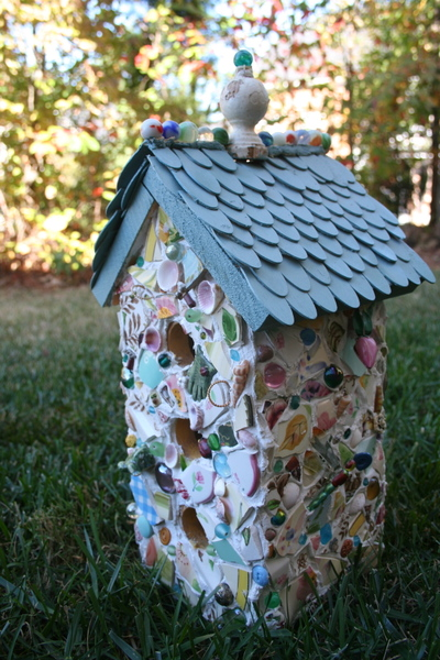 Mosaic_birdhouse