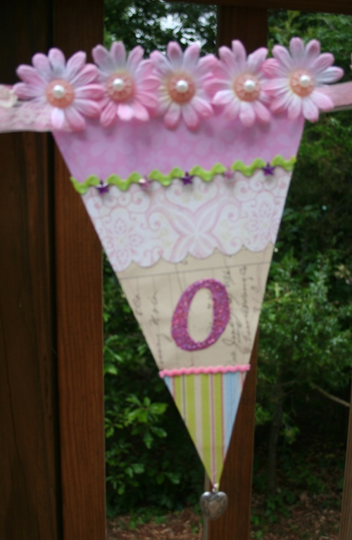 O from Nicole banner